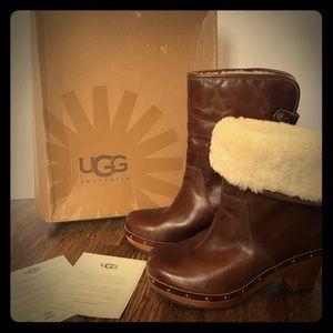 Ugg Boots - W Lynnea - Size 6 in great shape!